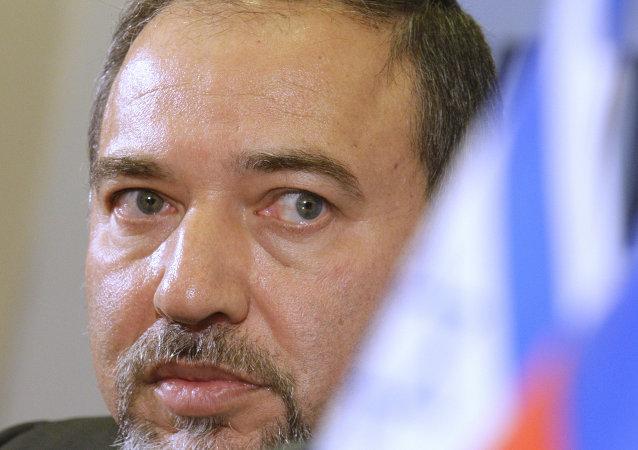 Avigdor Lieberman pendant l'interview à  ITAR-TASS