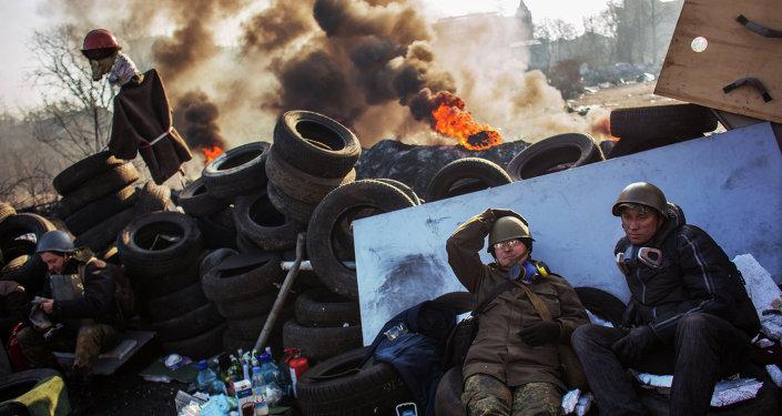 Une barricade à Kiev en février 2014