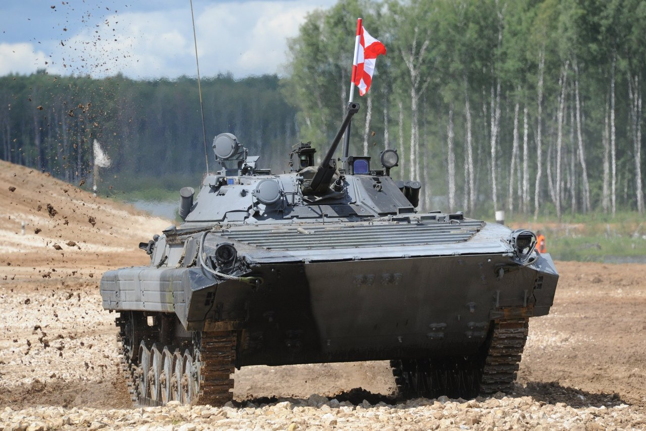 Le véhicule de combat d'infanterie chenillé BMP-2
