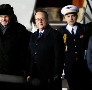 Le président François Hollande est arrivé à Moscou