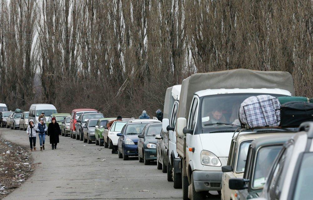 Les habitants du Donbass se dirigent vers la frontière avec la Russie