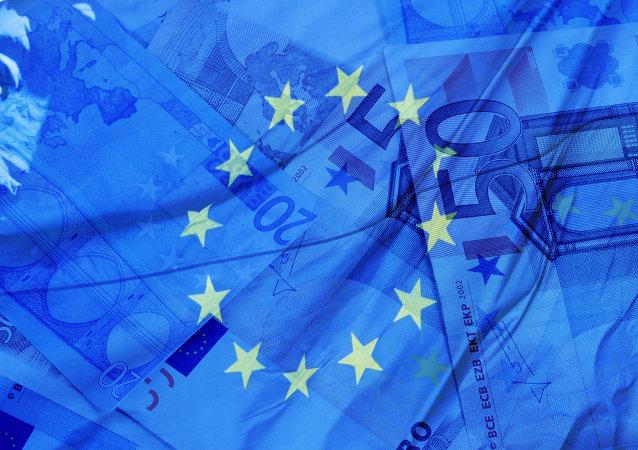 Drapeau et billets de banque européens