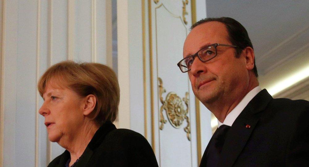 Angela Merkel et François Hollande lors de la conférence de presse à Minsk