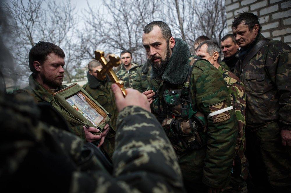 Des insurgés de la région de Donetsk, le 14 février