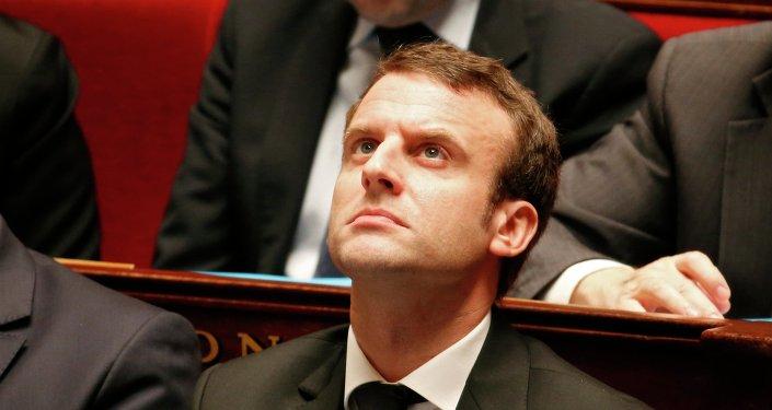 Le ministre de l'Economie, Emmanuel Macron, à l'Assemblée nationale le 17 février 2015