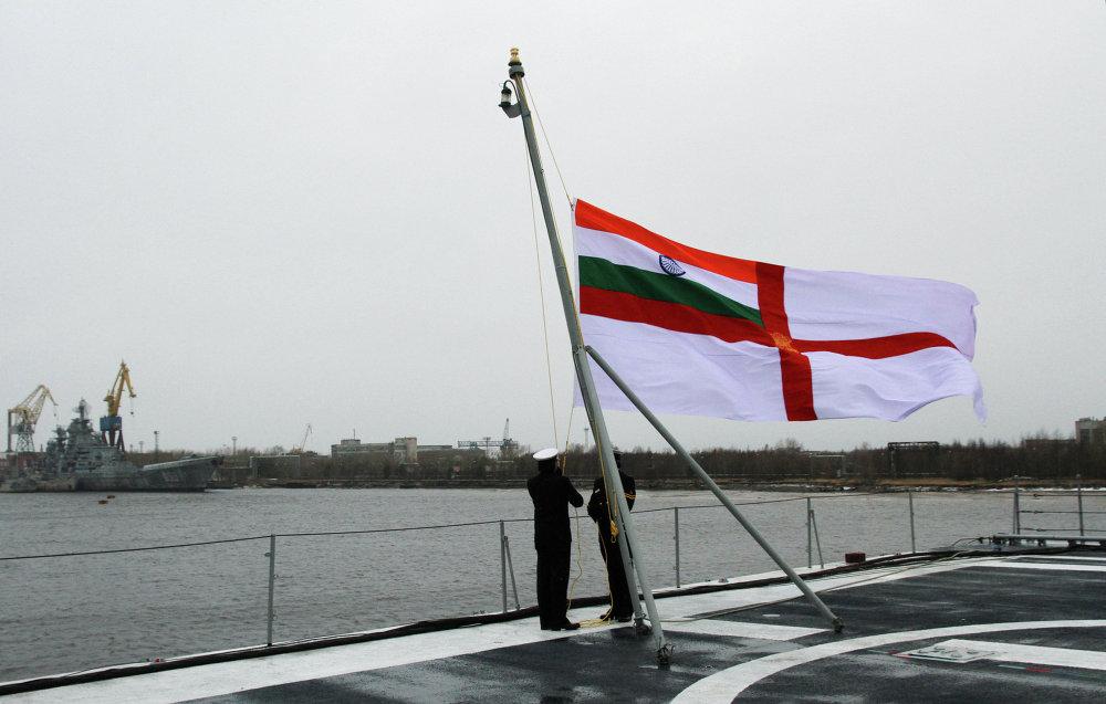 La Russie remet à l'Inde le porte-avions Vikramaditya