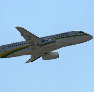 Un SSJ-100