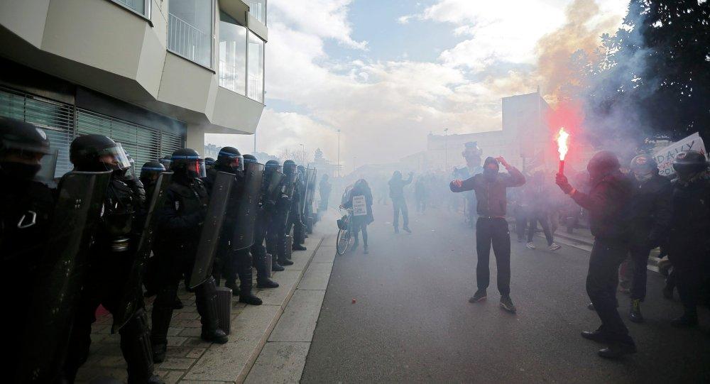 Manifestation contre les violences policières, Nantes, Febr. 21, 2015.