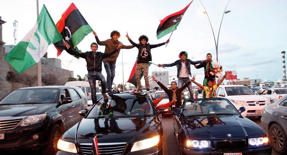 Des Libyens célèbrent l'anniversaire du renversement de Mouammar Kadhafi
