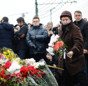 Les Moscovites rendent hommage à Boris Nemtsov