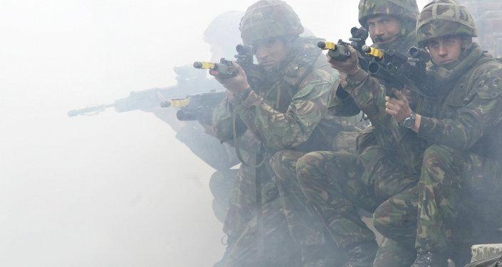 Soldats britanniques lors des exercices de l'Otan