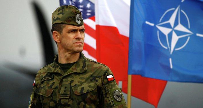 Un militaire de l'Otan en Pologne
