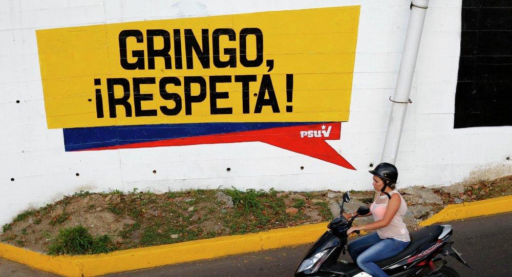 Inscription 'Gringo, respecte-nous!' à Caracas