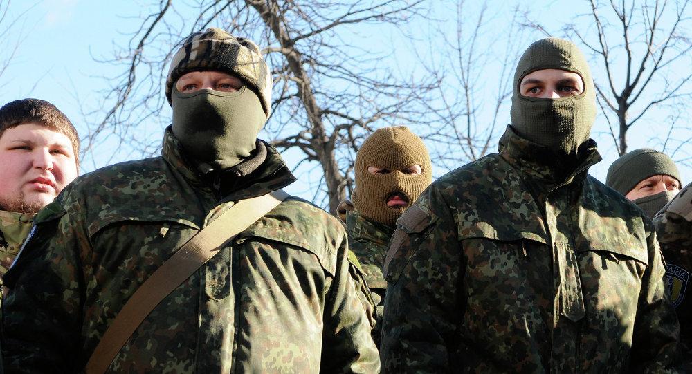 Les combattants devant l'expédition sur le sud-est de l'Ukraine. Archive photo