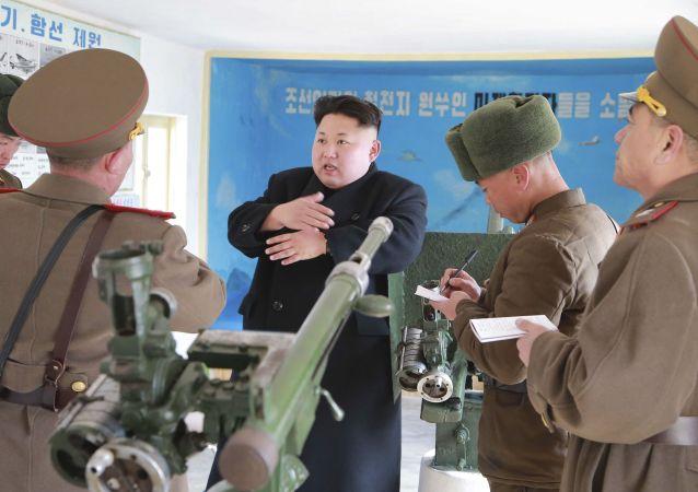 Kim Jong-un inspecte des unités militaires