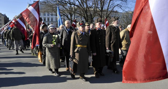 Défilé des anciens légionnaires des Waffen SS à Riga