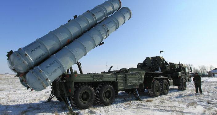Un système de missiles sol-air S-400 Triumph (archives)