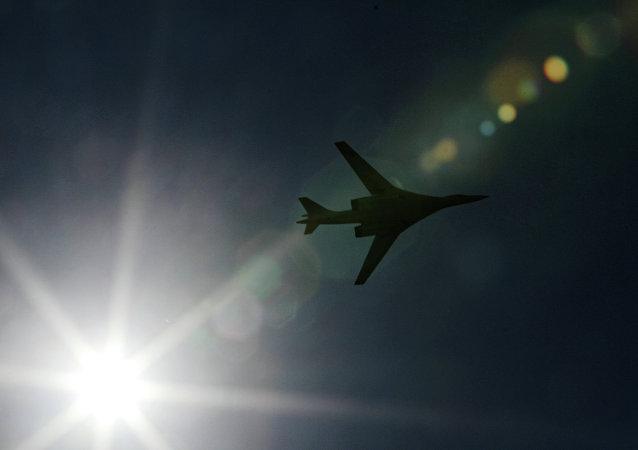 Le bombardier stratégique russe Tu-160