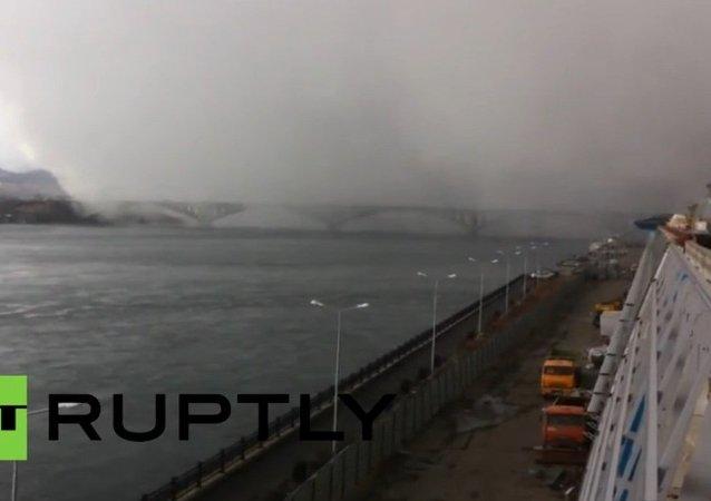Sibérie: l'arrivée spectaculaire d'un cyclone