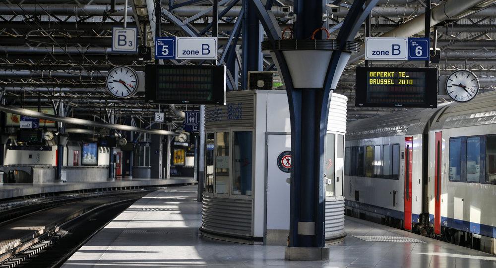 Station Midi-Zuid à Bruxelles pendant la grève le 22 avril 2015