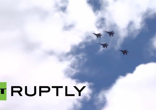 Défile de la Victoire: les groupes russes de voltige se préparent