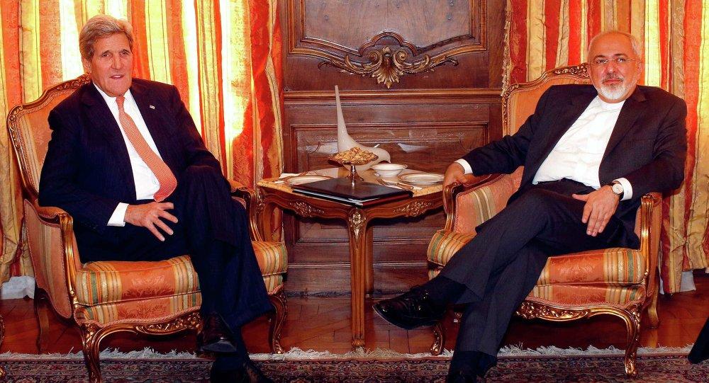 Rencontre du ministre iranien des Affaires étrangères Javad Zarif avec son homologue américain John Kerry