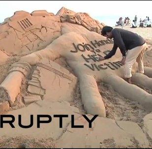 Une sculpture de sable pour aider les sinistrés du Népal