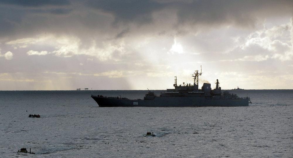 Un navire de débarquement du projet 775