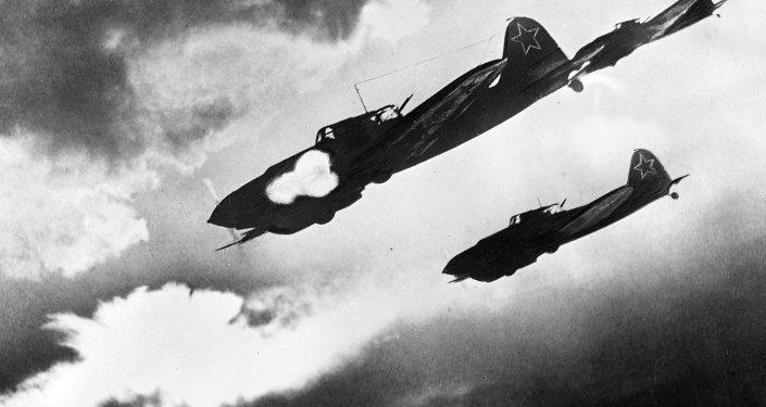 ИЛ-2 атакует
