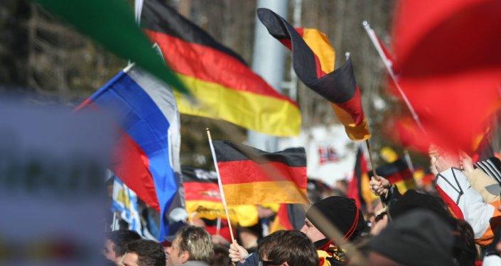 Drapeaux de l'Allemagne et de la Russie