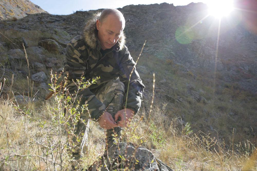 Vladimir Poutine est président du Conseil de tutelle de la Société géographique de Russie