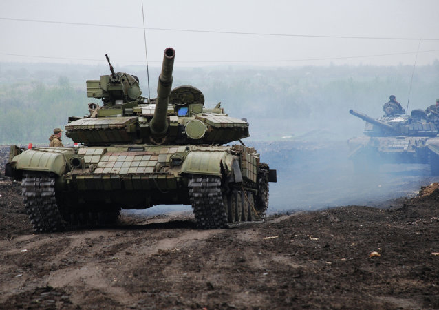 Ukraine: exercices du bataillon motorisé Vikings des insurgés  de Donetsk