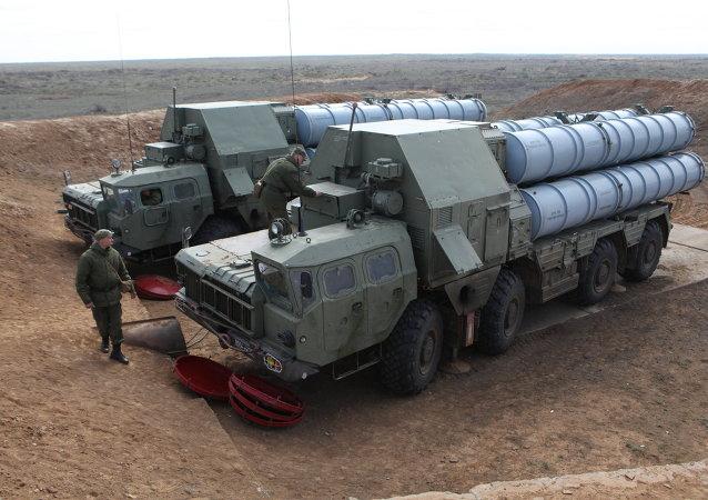 Systèmes antiaériens S-300