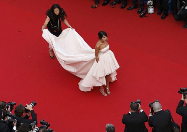 Французская актриса Лейла Бехти на открытии 68-го Каннского кинофестиваля