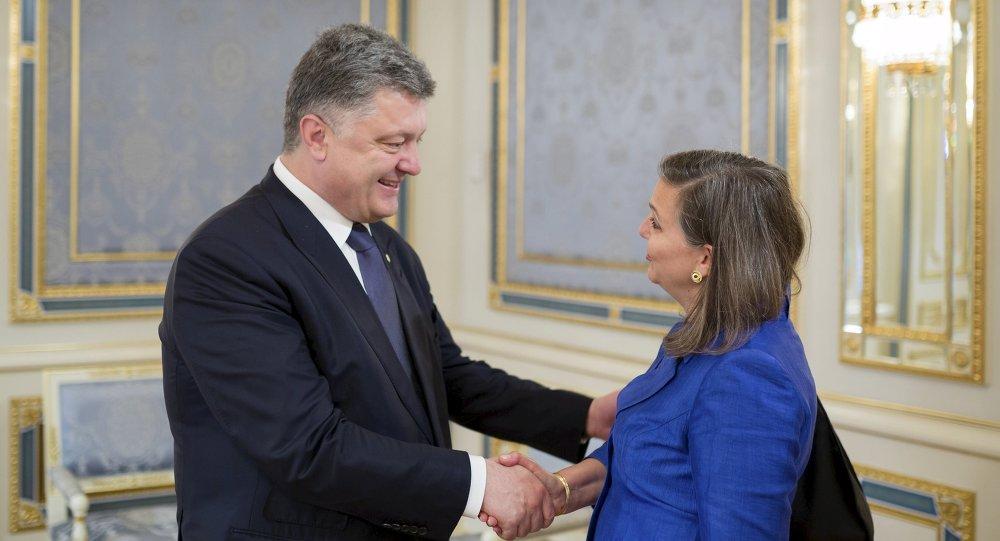 Piotr Porochenko et Victoria Nuland