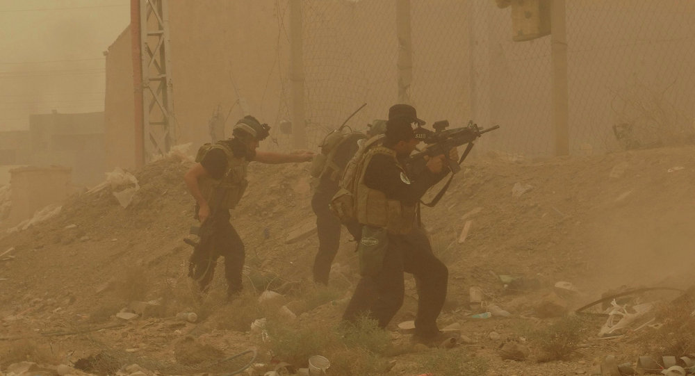Forces de sécurité combattant contre l'Etat islamique