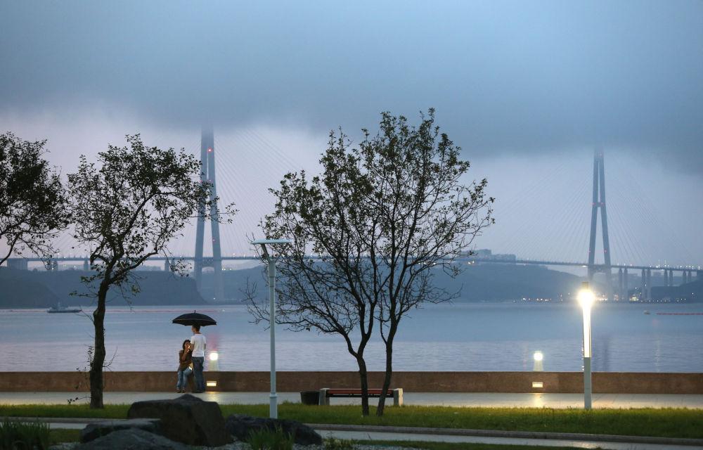 Le pont de l'île Rousski à Vladivostok