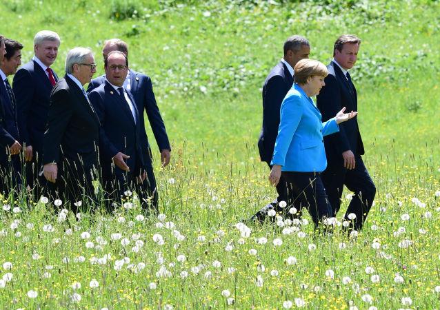 Les participants au sommet du G7