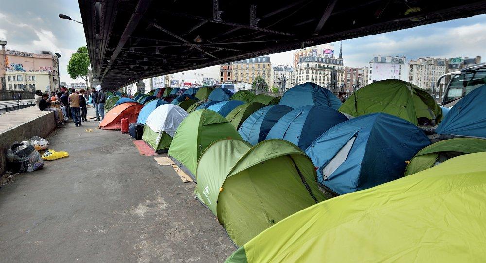 Paris : un nouveau camp de migrants dans le 15ème arrondissement