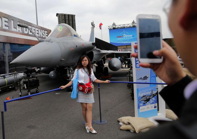 Ouverture du Salon international de l'aéronautique et de l'espace du Bourget