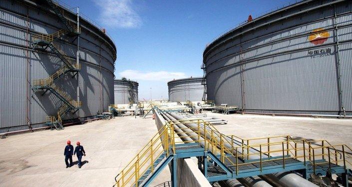 Tianjin Dagang Oilfield Construction stockage de pétrole brut et de transport, Chine