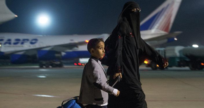 Des avions du ministère russe des Situations d'urgence ont évacué près de 100 Russes et étrangers de Sanaa à Moscou
