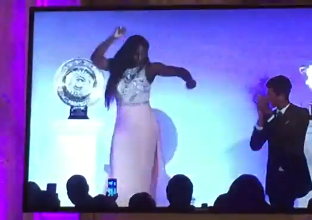 Serena Williams et Novak Djokovic dansent sur Night Fever
