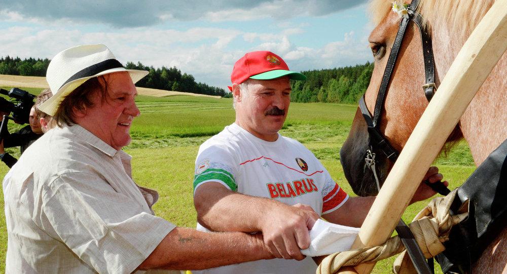 Alexandre Loukachenko et Gérard Depardieu