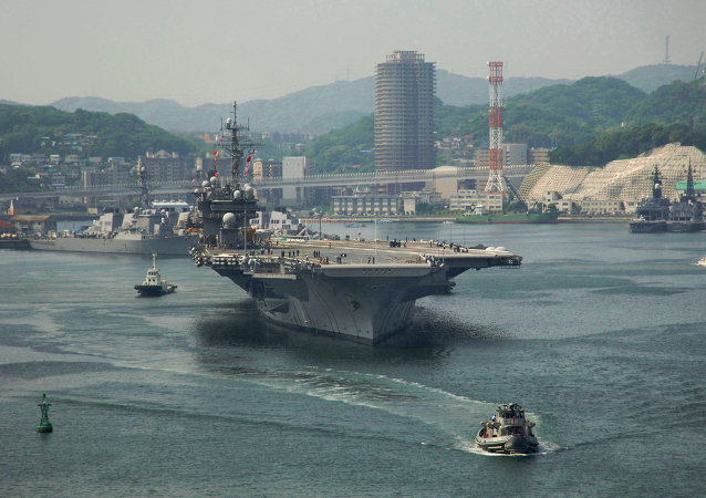 Le porte-avions USS Kitty Hawk à la base navale de Yokosuka (archives)