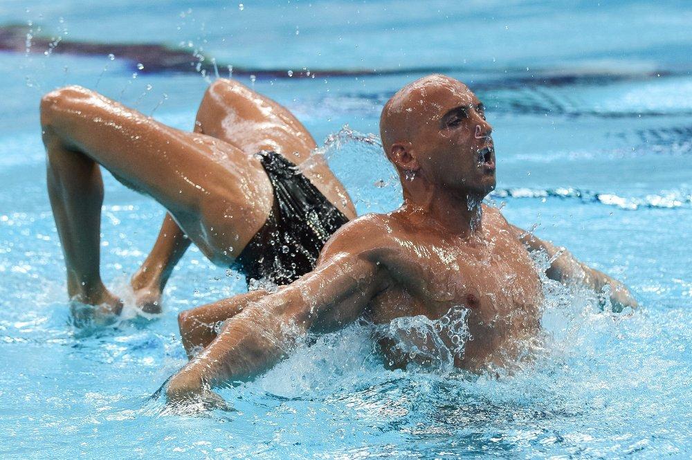 Virginie Dedieu et Benoît Beaufils (France) en duo mixte lors du programme libre de natation synchronisée aux 16e Championnats du monde de natation 2015 de Kazan
