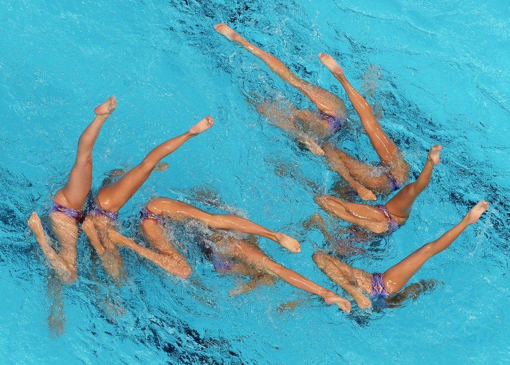 Les nageuses de l'équipe d'Espagne lors du programme libre de natation synchronisée au tour préliminaire des épreuves