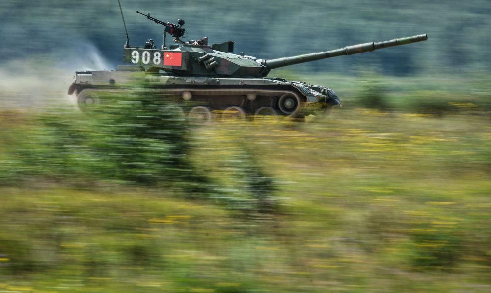 Russie: biathlon en char d'assaut