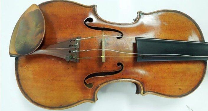 Le violon Ames fabriqué par Stradivari