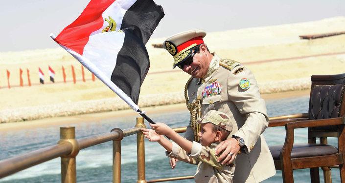 Nouveau canal de Suez: l'Égypte reprend le chemin de la puissance